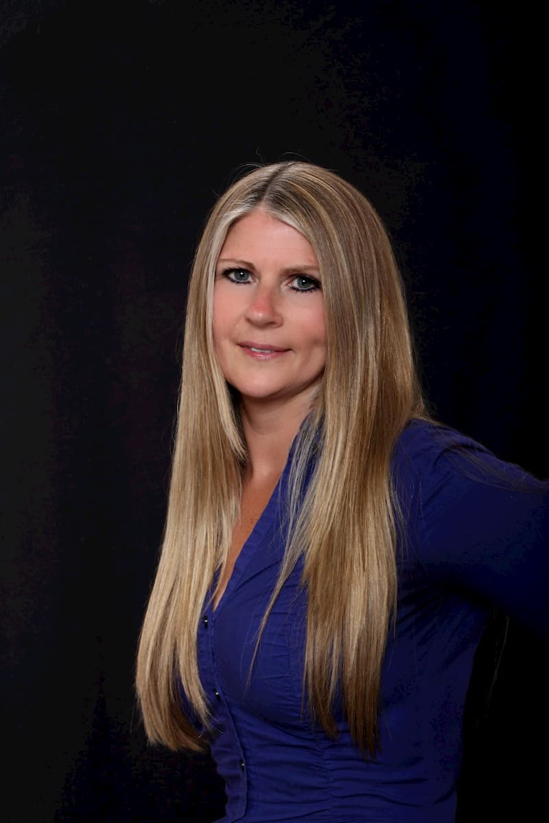 Sandi Pires insurance broker ontario Insurance Professional